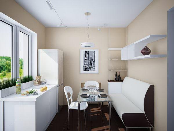 Расположение дивана зависит от другой мебели, геометрии кухни, а также предназначения.