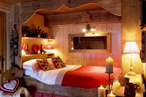 Декоративные свечи. Добавят уюта и романтического настроения.