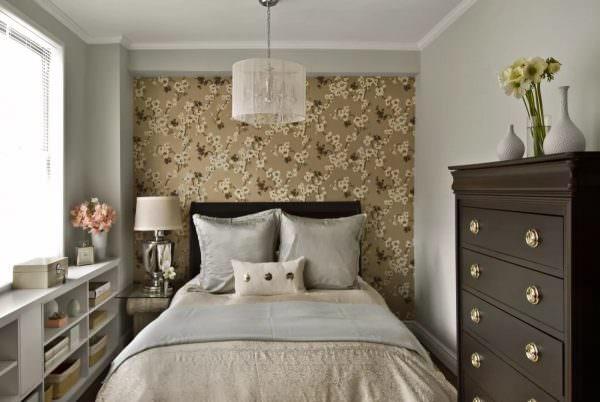 Даже самая маленькая спальня может стать удобным и красивым пространством, если подойти к процессу планировки интерьера с полной ответственностью.
