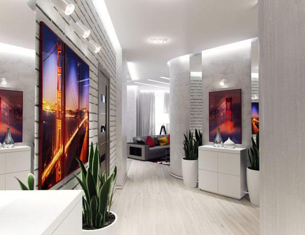 Фотообои в прихожей со светлыми дверями