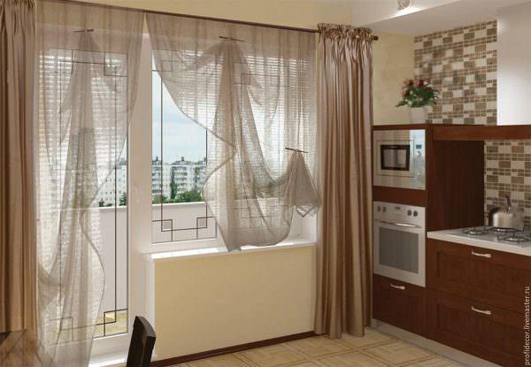 Шторы на кухне с балконной дверью