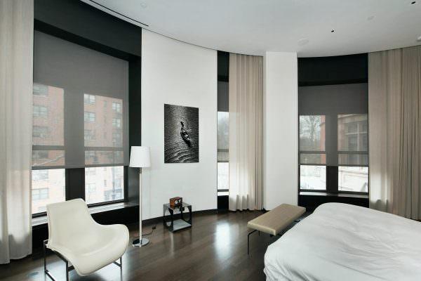 Оформление окна должно соответствовать общему интерьеру помещения, поэтому рекомендуется подбирать их, когда проект ремонта уже готов.