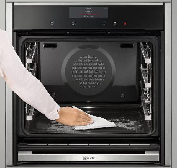 Самое главное - не откладывать чистку. Лучше сделать это сразу после готовки.