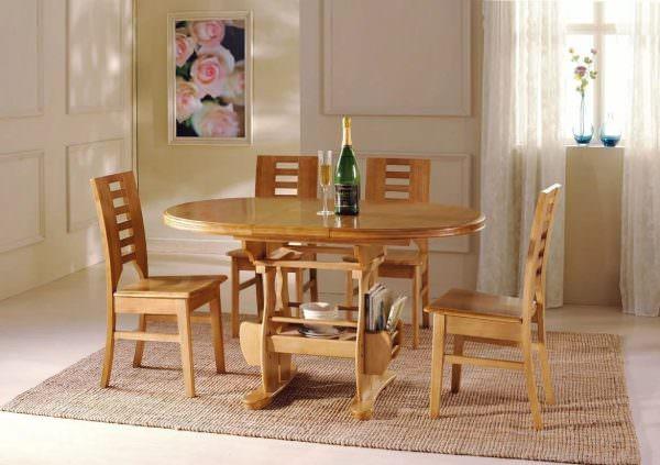 Традиционный материал для изготовления кухонной мебели – натуральная древесина и ее имитация.