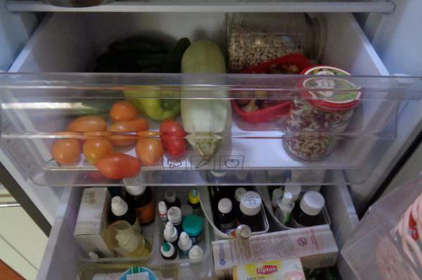 Средства, которые нужно ставить в холодильник, сохраняются при +2-8 градусах.