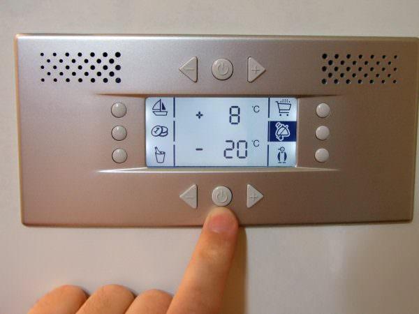 Для большинства современных холодильников -18-20 градусов – это оптимальный показатель.