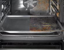 Данный процесс очищения духовки основан на химических реакциях: в эмаль печи добавляют специальные вещества, которые являются катализаторами и способствуют разложению загрязнений на более простые вещества.