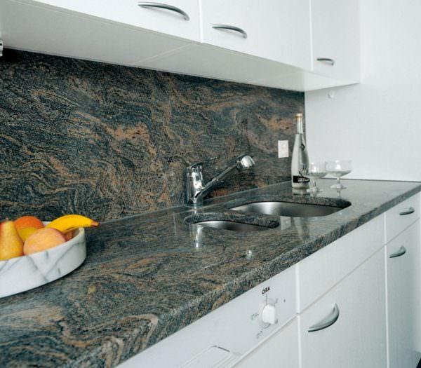 Все керамические изделия производятся из натуральных природных материалов – это глина, песок и полевой шпат