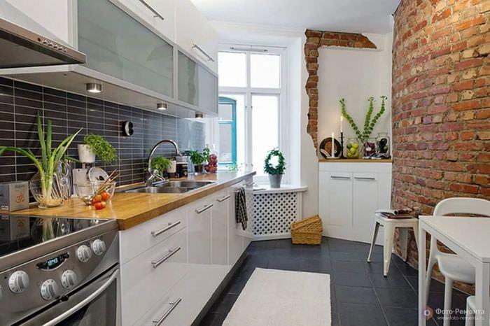матки дизайн кухни с кирпичной стеной фото одном