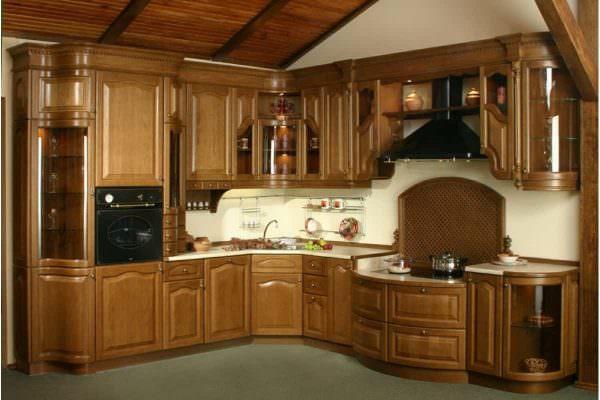 Дуб – самая узнаваемая текстура, обладает высокой прочностью и разнообразными оттенками