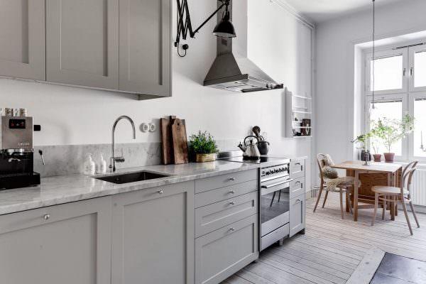 Все оттенки серого – это не только описание неба над Норвегией и Швецией, но и традиционный интерьерный дизайн в скандинавском стиле.