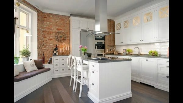 Простой, геометрически правильный потолок – обязательный элемент правильного скандинавского оформления дома.