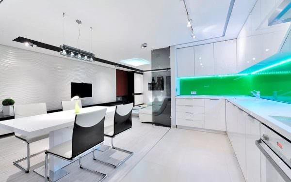 Если делаете ремонт в уже существующей кухне и не хочется кардинально менять отделку пола и стен, тогда определитесь с компоновкой палитры новых элементов с уже существующими.