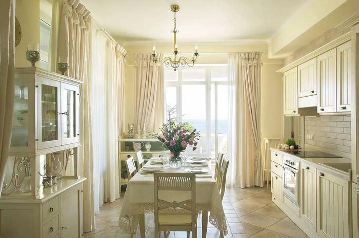 выход на балкон из кухни фото коттеджей нас новый газон