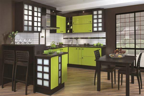 В стране восходящего солнца размеры кухонь во многом схожи с отечественными.