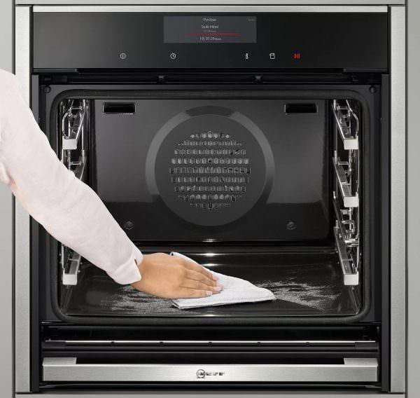 Существует несколько способов как почистить жарочный шкаф: пиролитический, гидролитический, каталитический. Рассмотрим поподробнее каждый из них.