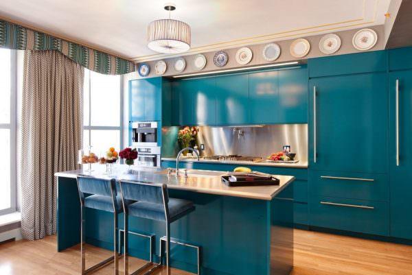 Между холодильником, мойкой и варочной поверхностью не должно быть лишней мебели