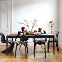 Оригинальные стулья для кухни: из ротанга, велюровые
