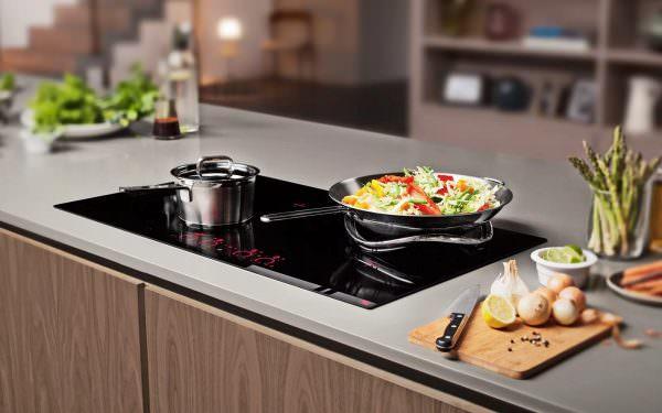 Чтобы сократить расходы и оптимизировать работу, рекомендуется рассмотреть возможность покупки индукционной плиты.