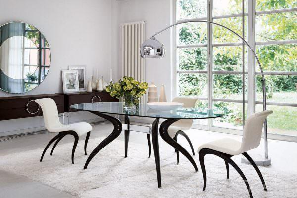 К примеру, Италия славится классическим стилем и роскошными, даже царскими изделиями.