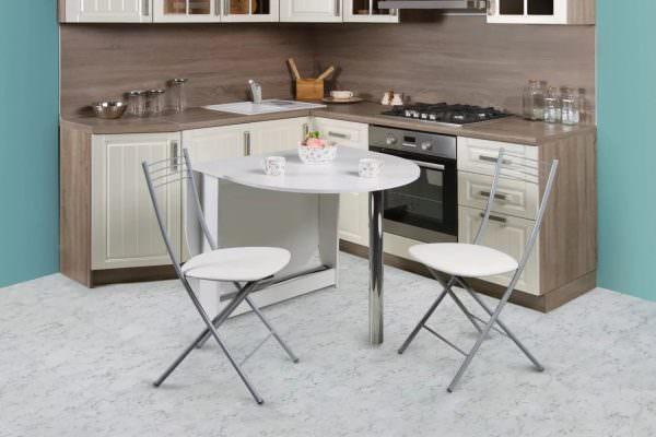 С выбором складных кухонных стульев для дома не стоит торопиться, если не продуманы все нюансы.