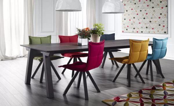 Стильные стулья для кухни от известных брендов украшают помещение, комфортны в использовании, гармонично вписываются в обстановку.