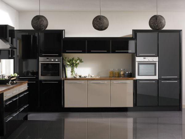 Черный – стильный, элегантный и торжественный оттенок, но вместе с тем, он является нейтральным и универсально подходит для любого интерьера.