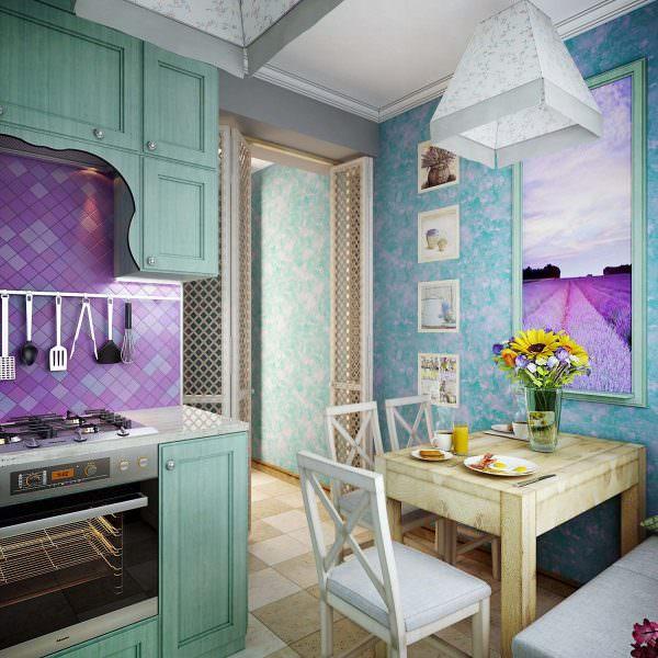В пастельно голубой цвет чаще всего красят деревянную мебель.