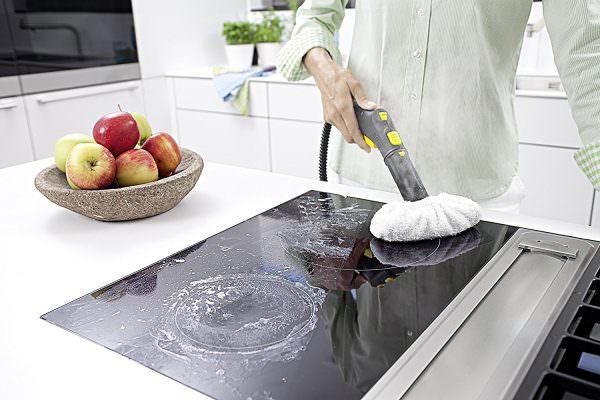 Имея навыки, как эффективно почистить керамическую плиту от приставшего нагара, с проблемой будет справиться несложно.