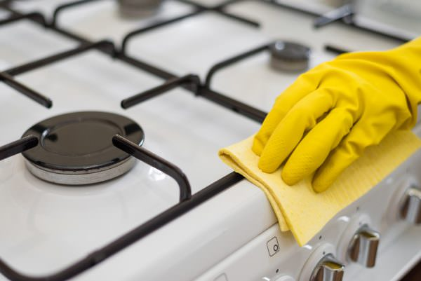 Как почистить газовую плиту правильно?