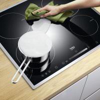 Как и чем очистить индукционную плиту от нагара в домашних