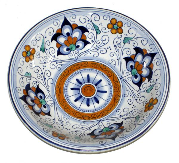 Посуда позволяет пище хорошо и равномерно прогреться, экологически безопасна.
