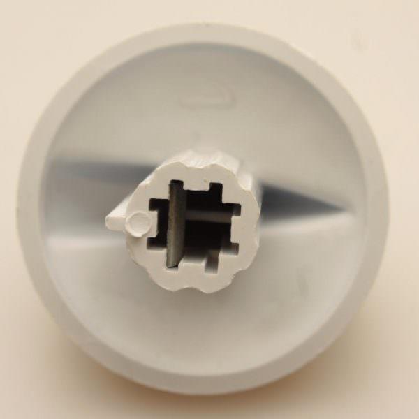 Перед началом процедуры очищения решетки, горелки, ручки необходимо отсоединить и снять, если они снимаются