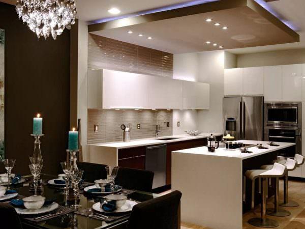 Коричневый цвет – хорошее решение для кухни в квартире или частном доме.