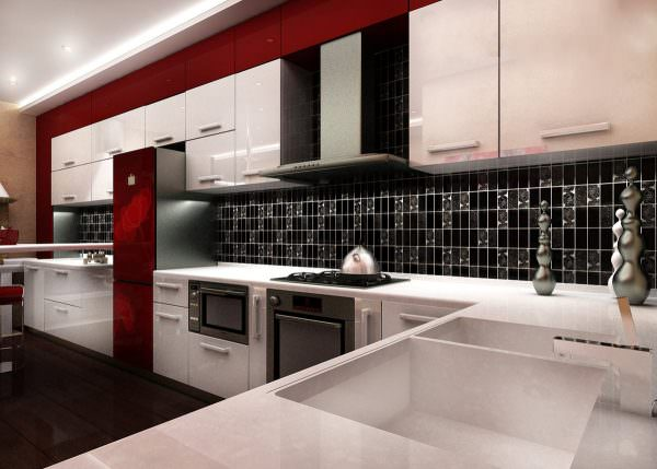 В интерьере двухцветной кухни фартук может являться повторением одного цвета и быть противоположностью другого, а может стать ярким разноцветным акцентом.
