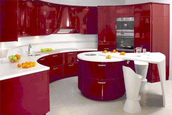 Свое название цвет получил от названия вина, производимого во Франции в городе Бордо.