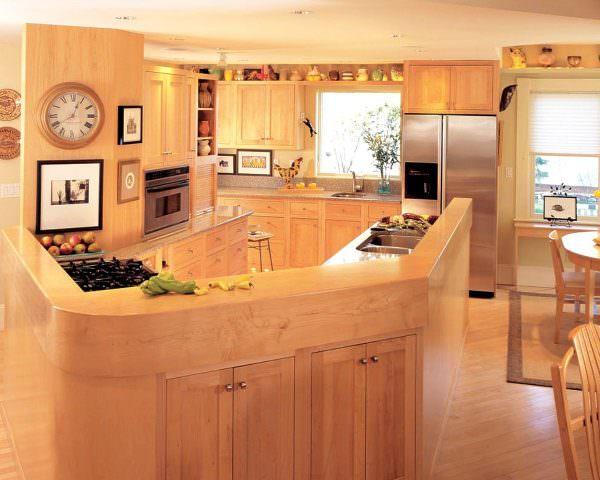 Обычная печь, в отличие от микроволновой, часто предпочтительнее, потому что она больше соответствует убеждению фэн-шуй