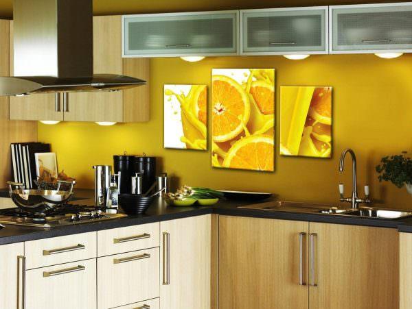 Картины на кухню по фен шуй могут быть с иллюстрациями мира животных, пейзажей, растений и натюрмортов