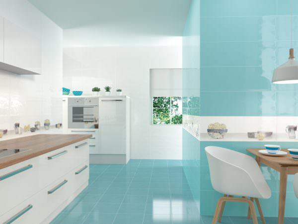 Бирюзовый пол – отличная идея, он создает иллюзию морской глади и выглядит в доме очень оригинально.