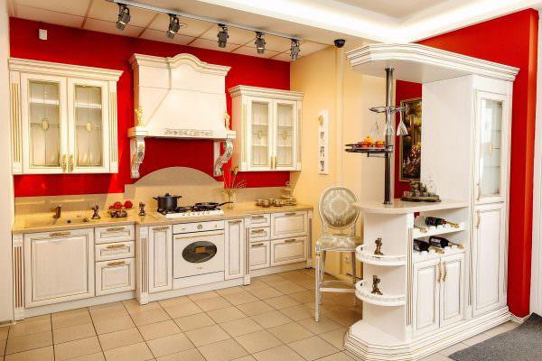 Для светлых помещений идеальным цветом будет белый, для красных, зеленых и черных – металлик.