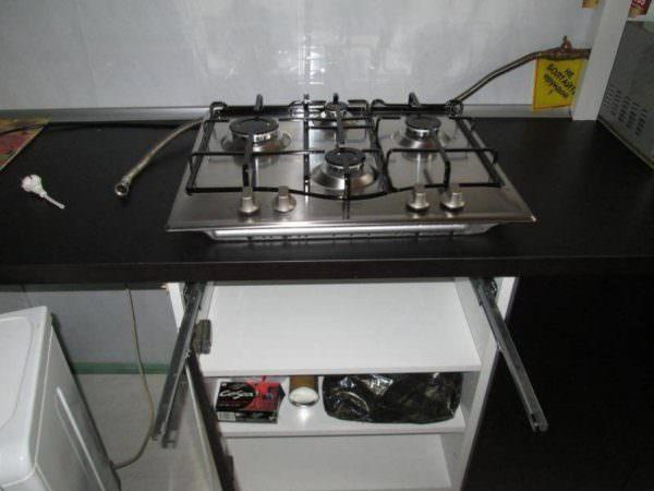 Газовую духовку также можно подключить самому.