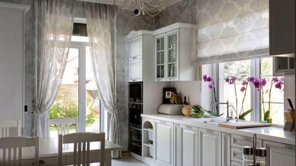 Шторы – одно из средств создания оригинального и неповторимого декора помещения.