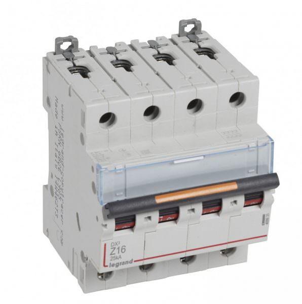 Если заменять автомат для розеток на дифференциальный 16 А для того, чтобы подключить к нему духовку, то остальные электроприборы останутся практически без тока на время, когда готовится пища или просто работает прибор.