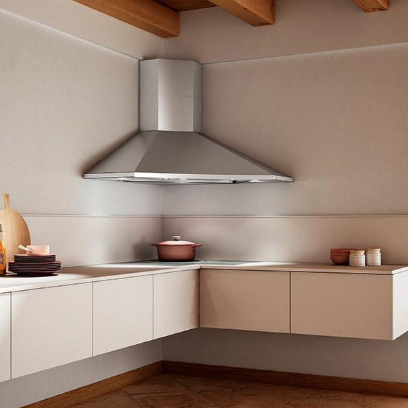 Производители предлагают широкий ассортимент угловых вариантов в классическом дизайне и в стиле хай-тек.