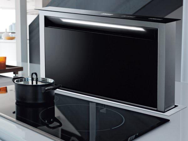 Вертикальная или наклонная вытяжка для кухни относится к новым разработкам.