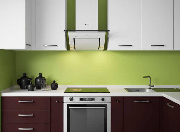Многие считают, что можно спокойно обойтись без вентиляции на кухне в квартире.