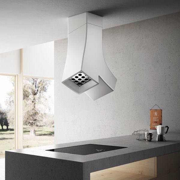 Практичность кухонных вытяжек зависит от правильного выбора материала изготовления.