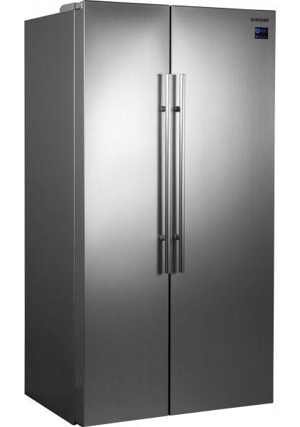 Если привезли только что купленный холодильник, не нужно сразу включать его в сеть