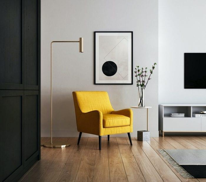 Жёлтое кресло в интерьере прихожей в современном стиле