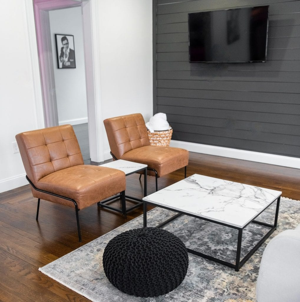 Комната для гостей с телевизором